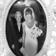 Lisa Rinna qui vient de perdre son père Frank, a publié une photo d'elle à ses côtés le jour de son mariage sur sa page Instagram, le 22 janvier 2016.