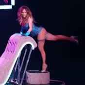 Jennifer Lopez à Vegas : Son sexy booty déchire tout... y compris sa combi !