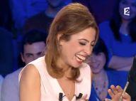 """Léa Salamé prise d'un fou rire après une blague cochonne : """"Sortez-le, m****"""""""