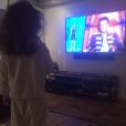 """Alessandra Sublet dévoile une photo de sa fille Charlie (3 ans), laquelle est visiblement fan de """"The Voice"""". Février 2016."""