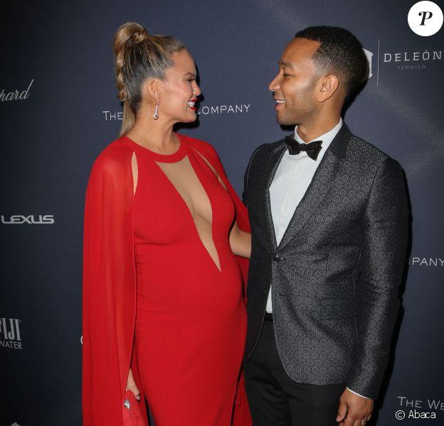 Chrissy Teigen et John Legendassistent au dîner pré-Oscars organisé par The Weinstein Company à l'hôtel Montage Beverly Hills. Los Angeles, le 27 février 2016.