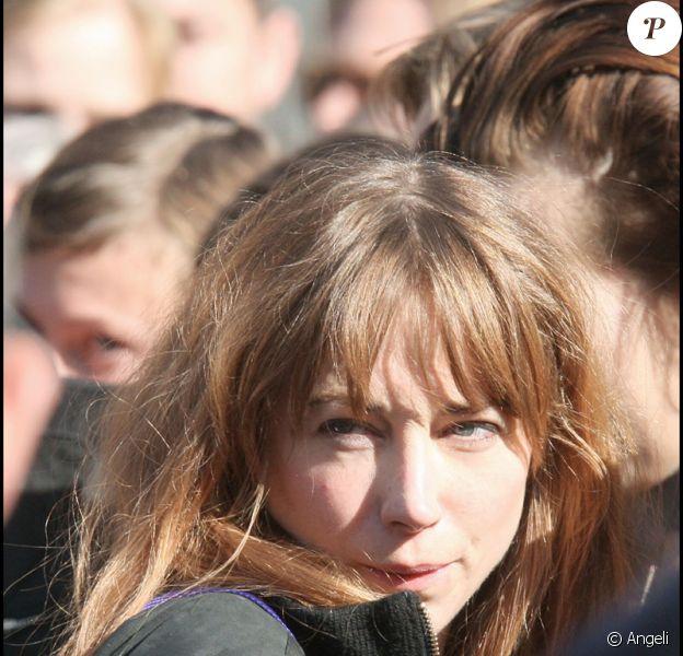 Julie Depardieu aux obsèques de son frère Guillaume