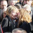 Julie Depardieu et Marisa Bruni-Tedeschi aux obsèques de Guillaume Depardieu