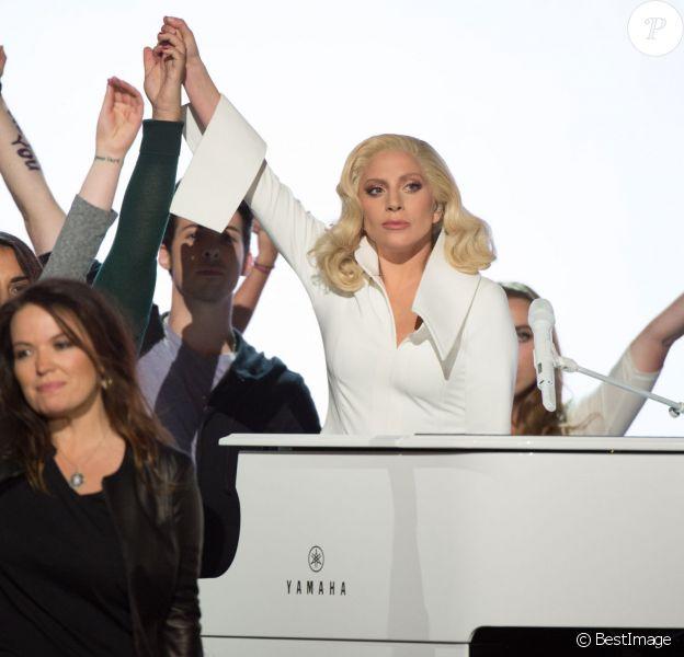 Lady Gaga - Intérieur - 88ème cérémonie des Oscars à Hollywood, le 28 février 2016.