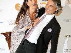 REPORTAGE PHOTO : Andrea Bocelli et sa compagne, les grandes voix et les belles robes les ont rendus... dingues !