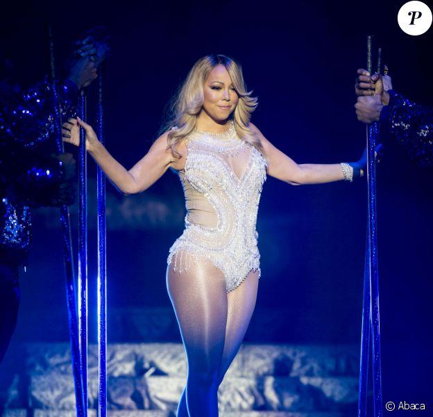 Mariah Carey sur scène à Glasgow dans le cadre de son Sweet Sweet Fantasy Tour, le 15 mars 2016.