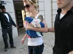 REPORTAGE PHOTO : Britney Spears, toujours très proche de... ses gardes du corps !