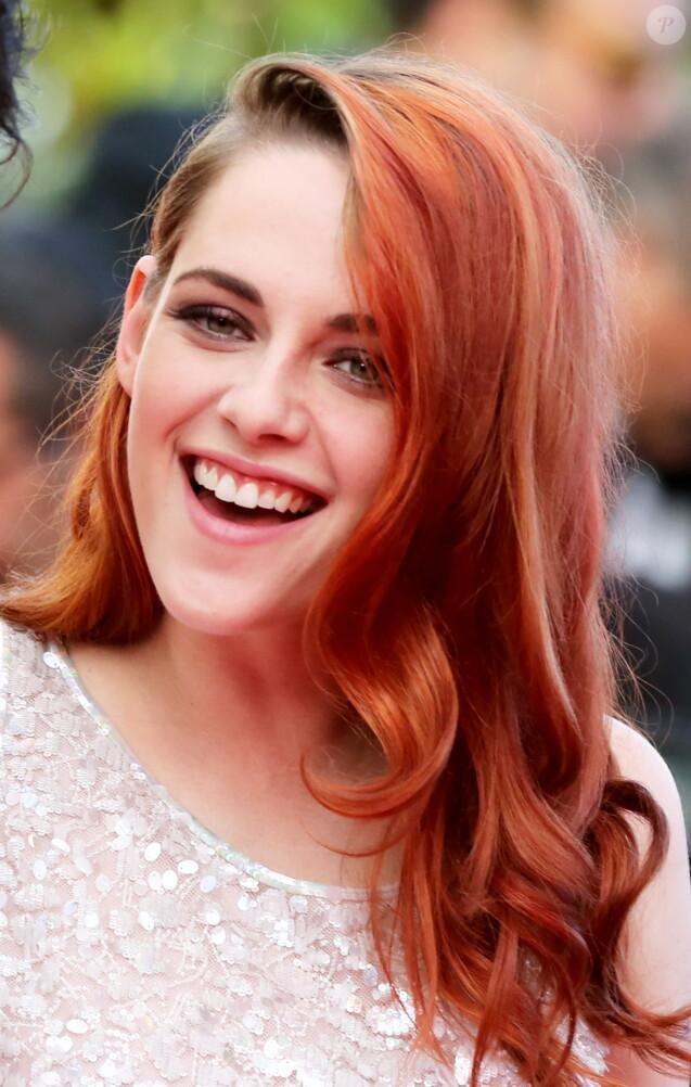 """Kristen Stewart - Montée des marches du film """"Sils Maria"""" lors du 67e Festival du film de Cannes le 23 mai 2014."""