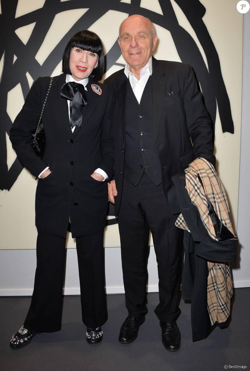 chantal thomass et son mari michel fabian vernissage de l 39 exposition art paris art fair 2016. Black Bedroom Furniture Sets. Home Design Ideas