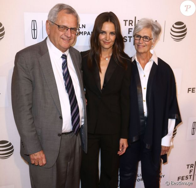 Katie Holmes et ses parents Martin Holmes et Kathleen Holmes lors de la première du film 'All We Had' au festival du film de Tribeca à New York le 15 Avril 2016.