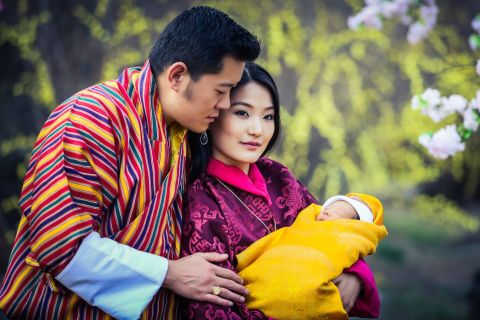 Jigme Khesar et Jetsun Pema du Bhoutan: Le prénom de bébé révélé majestueusement