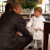 """George de Cambridge """"adorable"""" avec Barack Obama : Le vrai but du président..."""