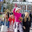 La reine Maxima des Pays-Bas et ses filles, la princesse Amalia, la princesse Ariane et la princesse Alexia - La famille royale des Pays-Bas lors du Kingsday à Zwolle. Le 27 avril 2016 27/04/2016 - Zwolle