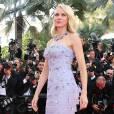 """Naomi Watts - Montée des marches du film """"Café Society"""" pour l'ouverture du 69ème Festival International du Film de Cannes. Le 11 mai 2016. © Borde-Jacovides-Moreau/Bestimage"""