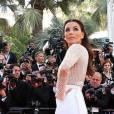 les égéries de L'Oréal Paris quittent le Martinez pour leur première montée des marches du 69e Festival de Cannes, le 11 mai 2016.