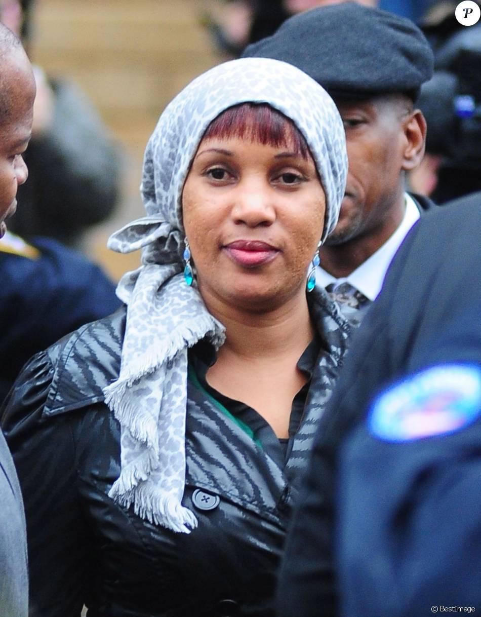 Nafissatou Diallo quitte le tribunal du Bronx à New York, le 10 décembre 2012.