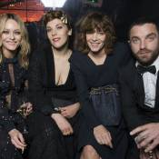 Vanessa Paradis complice avec sa soeur Alysson et son amoureux à Cannes