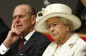 REPORTAGE PHOTOS : L'époux de la reine Elizabeth pris en flagrant délit de... sieste, en pleine cérémonie !