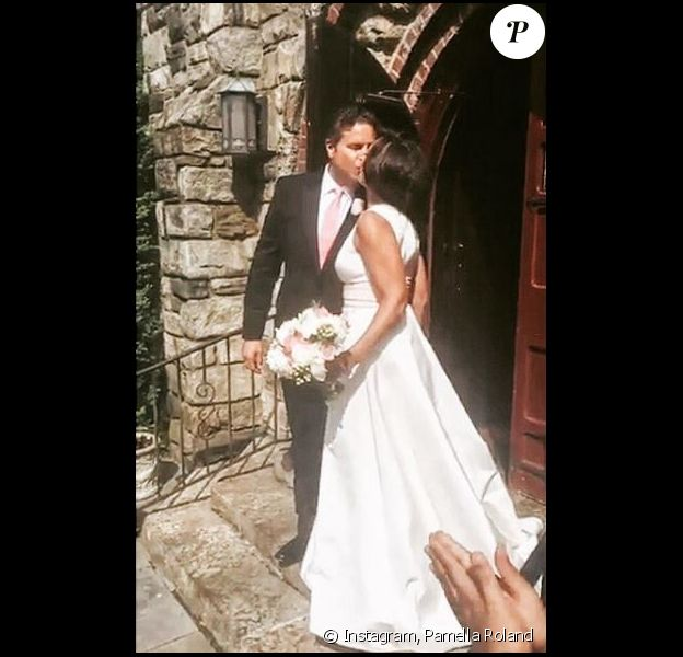 Pamella Roland a pris en photo les jeunes mariés : Vanessa Williams et Jim Skrip. Instaghram, mai 2016