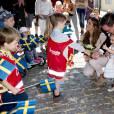 La princesse Madeleine de Suède avec son mari Christopher O'Neill et leur fille la princesse Leonore lors d'une visite dans le Gotland à Visby le 3 juin 2016.  Princess Madeleine with her husband Christopher O'Neill and daughter princess Leonore visiting Gotland, Sweden, June 3rd, 2016.03/06/2016 - Visby