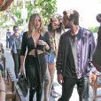"""Khloe Kardashian, Kendall Jenner et Scott Disick sont allés déjeuner au restaurant """"Il Pastaio"""" à Beverly Hills. Le 13 juin 2016"""