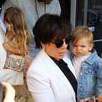 Kris Jenner , Lamar Odom , Khloe Kardashian , Penelope Disick et Reign Disick arrivent à l'église de Agoura Hills pour la messe de Pâques à Hagoura Hills le 27 Mars 2016.