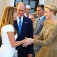 La princesse Charlene et le prince Albert de Monaco accueillant Jane Seymour lors du cocktail organisé le 14 juin 2016 dans la cour du palais princier en marge du 56e Festival de Télévision de Monte-Carlo. © Pool Festival TV Monaco / BestImage