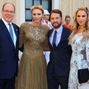 Charlene de Monaco, dos nu, sublime hôtesse des stars des séries télé au palais