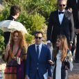 Elisa Sednaoui et son mari Alex Dellal au mariage de Giovanna Battaglia et Oscar Engelbert à Capri, Italie, le 10 juin 2016.