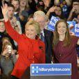 Hillary Clinton, Bill Clinton et leur fille Chelsea à Des Moines, Iowa, le 1er février 2016.