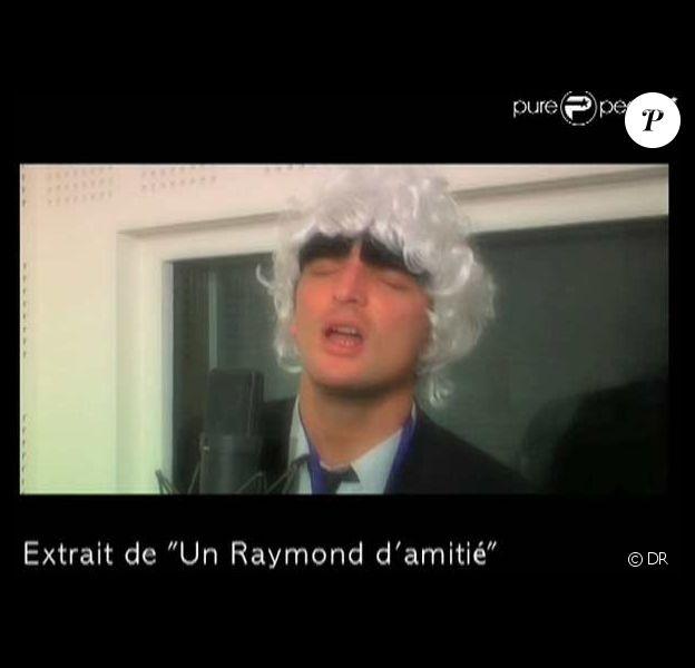 Découvrez enfin qui se cache derrière les parodies de Raymond Domenech !