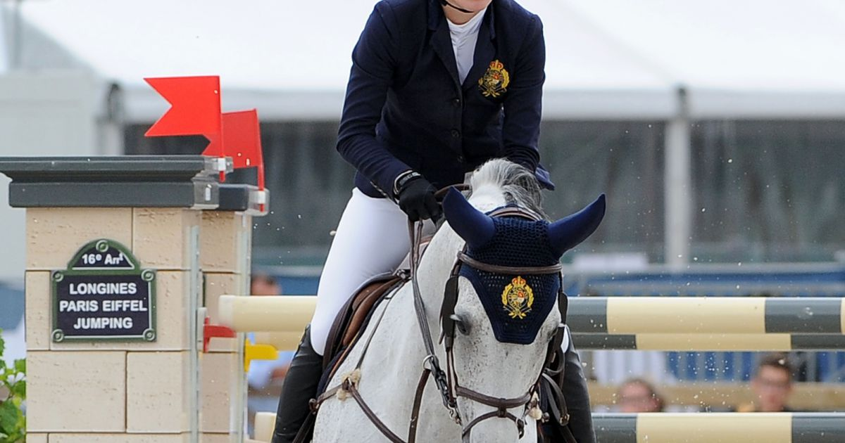 jessica springsteen sur cynar v 54 prix renault longines paris eiffel jumping au bois de. Black Bedroom Furniture Sets. Home Design Ideas