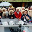 Laurent Luyat, Fabien Lecoeuvre et Michel Polnareff - Le chanteur français Michel Polnareff fête son 72ème anniversaire en présence des danseuses du Moulin-Rouge et donne le départ de la deuxième étape de la 103ème édition de la course cycliste du tour de France le 3 Juillet 2016, entre Saint-Lo et Cherbourg-en-Cotentin, en Normandie. © Coadic Guirec / Bestimage