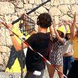 """Jean Dujardin sur la plage des bains militaires à Nice pour la première journée de tournage du film """"Brice 3 """"…Parce que le 2 je l'ai cassé!"""" sous la direction du réalisateur James Hunt, le 14 septembre 2015."""