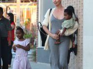 Charlize Theron, maman hilare devant Jackson déguisé en fille et August