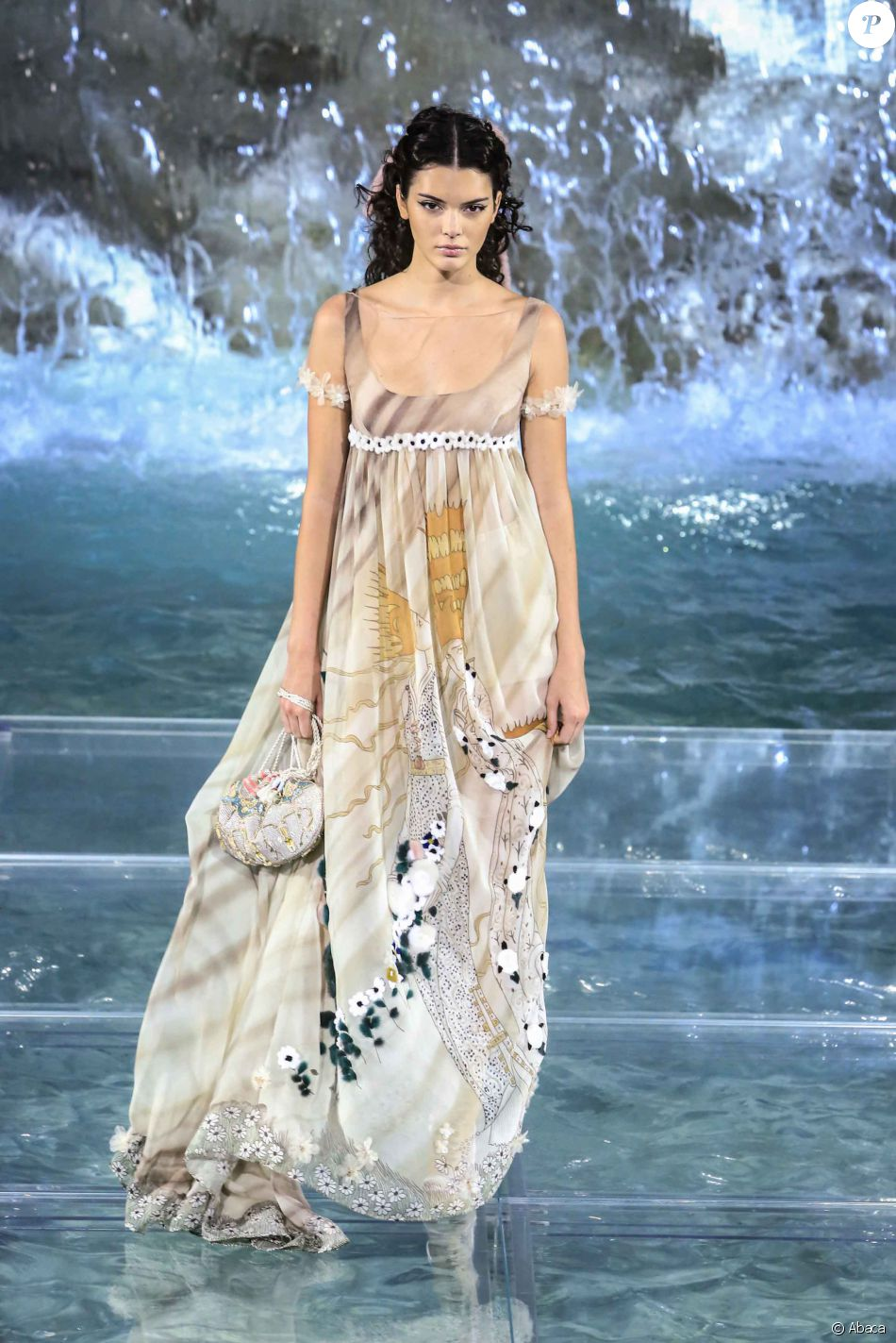 Kendall Jenner - Défilé  quot Legends and Fairytales quot  de Fendi  (collection couture, 9a4a166dd01
