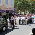 La famille et les amis du comédien aux obsèques de Mouss Diouf, le 9 juillet 2012, à Auriol.