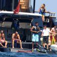 Karim Benzema en vacances avec des amis à Saint-Tropez, France, le 9 juillet 2016.