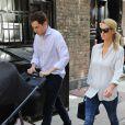 Les jeunes parents Nicky Hilton, son mari James Rothschild et leur fille Lily-Grace se promènent à New York, le 11 juillet 2016, quelques jours après la naissance de leur bébé.