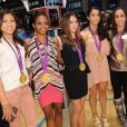 Kyla Ross, Gabby Douglas, McKayla Maroney, Aly Raisman et Jordyn Wieber avec leur médaille d'or des JO de Londres, le 14 août 2012 à New York.
