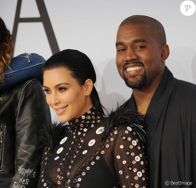 Kim Kardashian (enceinte) et son mari Kanye West - People à la soirée des CFDA Fashion Awards 2015 à New York. Le 1er juin 2015.