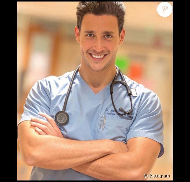 Dr Mike (Mikhail Varshavski) est le docteur sexy qui agite Instagram