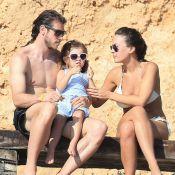 Gareth Bale juste avant ses fiançailles: Le beau Gallois à Ibiza avec ses amours