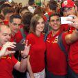 Le roi Felipe VI et la reine Letizia d'Espagne sont allés souhaiter bonne chance à la délégation espagnole pour les Jeux olympiques de Rio avant leur décollage pour le Brésil, le 29 juillet 2016 à l'aéroport Adolfo-Suarez de Madrid-Barajas.