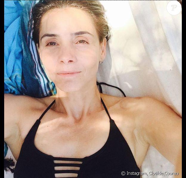 Clotilde Courau posant sur son compte Instagram