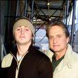 Michael Douglas et Cameron Douglas à Downtown Manhattan en avril 2002.