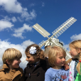 Jamie Olivier et sa femme Jools, déjà parents de quatre enfants, viennent d'avoir un cinquième enfant. Un petit garçon qui n'a pas encore de prénom. Photo publiée sur Instagram en juin 2016