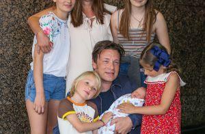 Jamie Oliver papa pour la 5e fois : Il présente son fils... dépourvu de prénom !