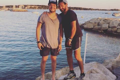 Kev Adams et Cyril Hanouna : Amis complices en vacances à Cannes