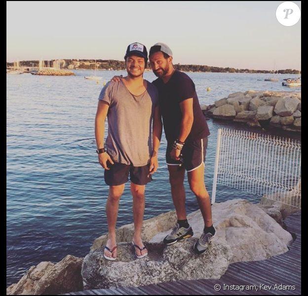 Kev Adams et Cyril Hanouna en vacances à Cannes, le 7 août 2016.
